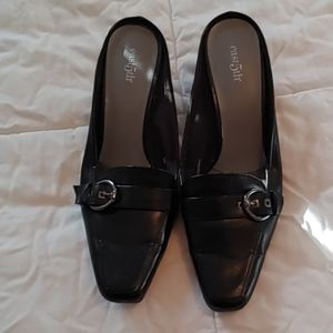 Ladies kitten heel mules Black